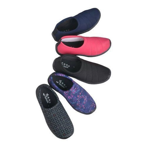 Ladies Flat Canvas Shoes at Rs 100