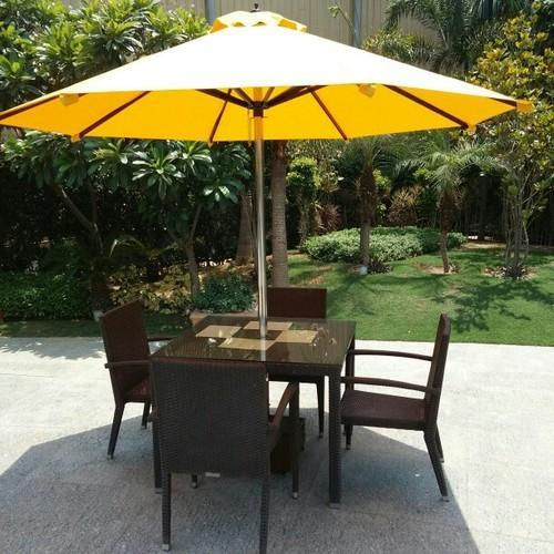 Polyester Center Pole Garden Umbrella