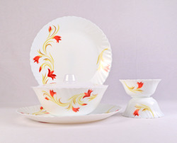 Red Lily 6 Pcs Dinner Set