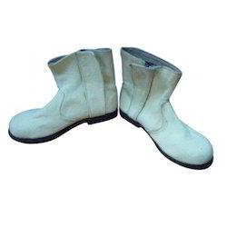 Airofresh Nitrile BI 2 Layer Suit Kevlar Aramid Shoe, Size: 6 - 10