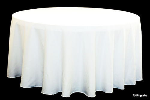 Round Table With Tablecloth.Polyester Round Table Cloth
