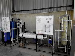 Reverse Osmosis Stainless Steel Water Purification Systems, For Industry, Water Storage Capacity: 200-50000