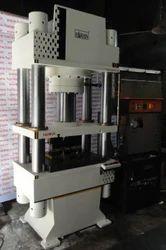 Harison和半自动Rajkot工业液压机