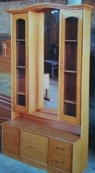Wooden Dressing Tables, Size/Dimension: Height - 1.5 feet , width - 3