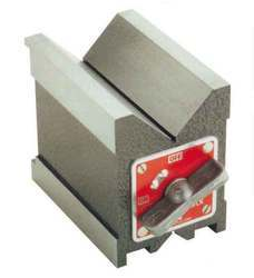 Magnetic 'V' Block