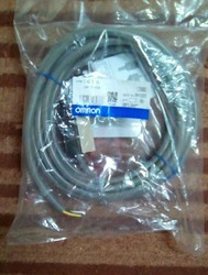 D4C-3320  Omron Limit Switch