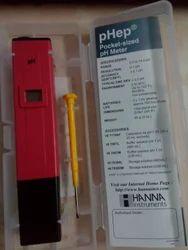 Pocket Size pH Meter