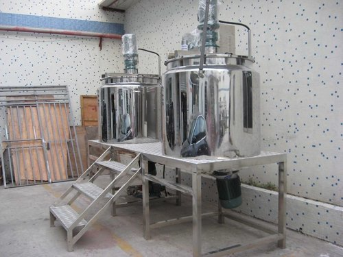 Stainless Steel Ointment Manufacturing Vessel, Capacity: >10000 L