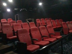 Attractive 5D Theater, Pan India