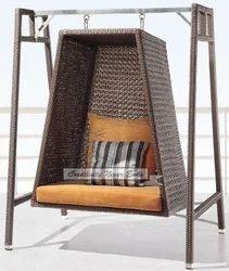 Metal Modern Garden Swing, Seating Capacity: 2 Seater
