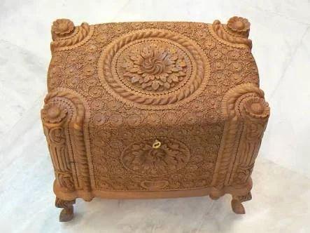 Artisan Hand Carved Wood Jewelry Box, Wood Jewellery Box, Wood Jewelry Box,  Wooden Jewellery Box, लकड़ी के आभूषण के बॉक्स - Royal Heritage, Mumbai |  ID: 10521086133