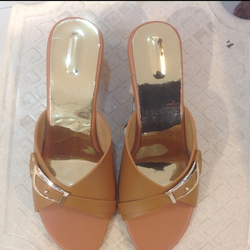 e20e7ed34fec2a Womens Footwear in Surat