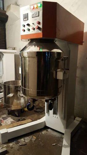 Automatic plantry mixer