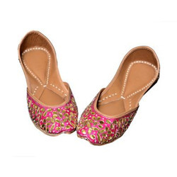 Pink Women Beaded Jutti, Size: 5 Inch And Also Available In 6