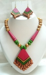 Women Terracotta Necklace Set