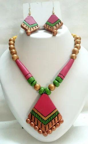 Women Terracotta Necklace Set, टेराकोटा का हार सैट, टेराकोटा नेकलेस सैट -  Oviya Fashion Jewels, Chennai | ID: 10487600633