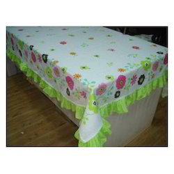 Printed Cotton Fabric Multicolor Banquet Table Cloth, Size: 150x150 Cms