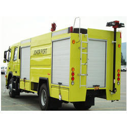 Portable Pumps with Fire Trucks