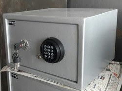 Electronic and mechanical  Safe