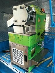 Sugar Cane Extractor Machine With Chiller For Moving Vehicle, Warranty: 1 - 3 Years