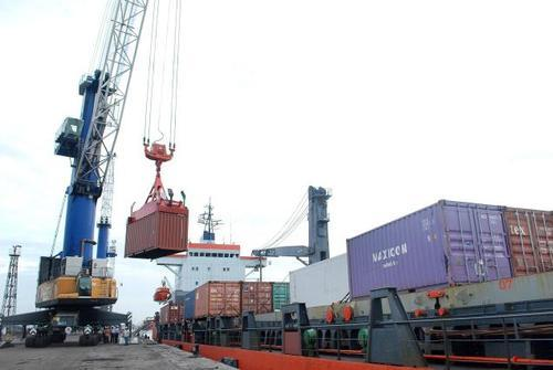 International Freight Forwarding Services - Container Handling