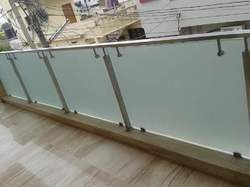 Glass Balcony Rail with Handrail
