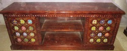 Traditional Wooden TV Table with Shelf