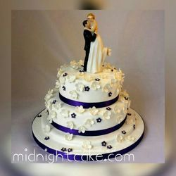 Wedding cake in ahmedabad gujarat manufacturers suppliers 3 tier ivory wedding cake junglespirit Image collections