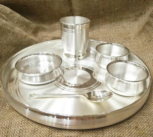 Pure Silver Dinner Set 999 Bis Hallmarked At Rs 59000