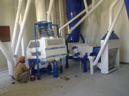 Wheat Cleaning Machine, Capacity: 100-200 (kg/hr)