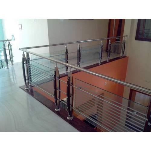 Bar And Wooden Ss Baluster SS Glass Railing