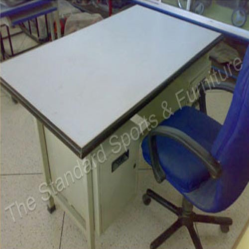 Office Table Simple 3u0027 X5u0027 With Three Drawer