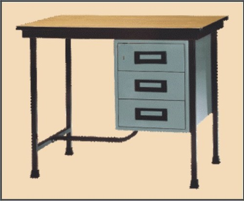 Steel Table   3 Drawer