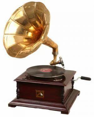 Decorative Items Gramophone Manufacturer From Moradabad