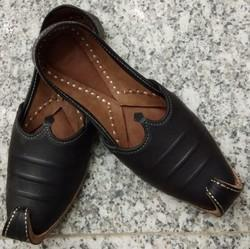 pk footwear black and cherry Mens Punjabi Jutti, Size: 7 and 8