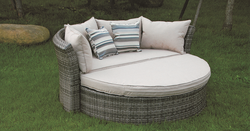 Open Style Wicker Day Bed