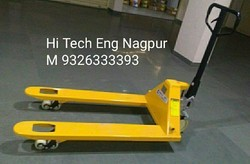 Hand Operated Pallet Truck, Lifting Capacity: 3000 Kg, Model Name/Number: Damar