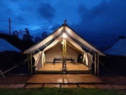 Safari resort tents