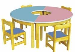 ARC Bow Table