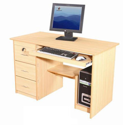 Wooden Rectangular Computer Table, No. Of Drawers: 3 Drawer