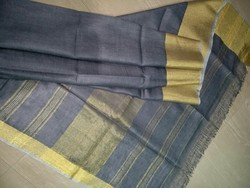 Linen Sarees With Multiple Colors And Design.
