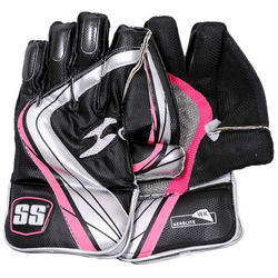 SS Aerolite Cricket Wicket Keeping Gloves