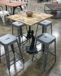 Shiv Iron Foundry black and grey Antique Cafe Table Set, Seating capacity: 4 Seater, Size: 30*30*30''