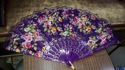 Color hand fan