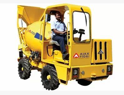 Argo 1000 Self Loading Mobile Concrete Mixer सेल्फ लोडिंग