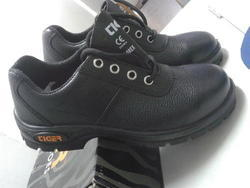Leather Tiger Lorex Safety Shoes, Rs