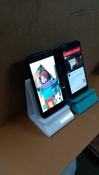 Plastic Table Top Acrylic Mobile Stand, Size: Small