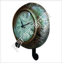 Isha Art Brass Fitted Table Clock