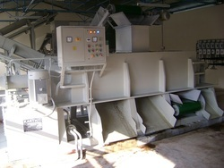 Coir Pith Squeezing Machine