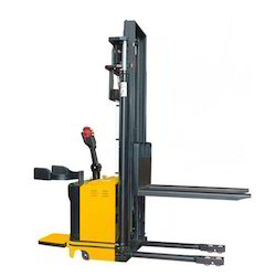 Battery Operated Wide Legs Stacker
